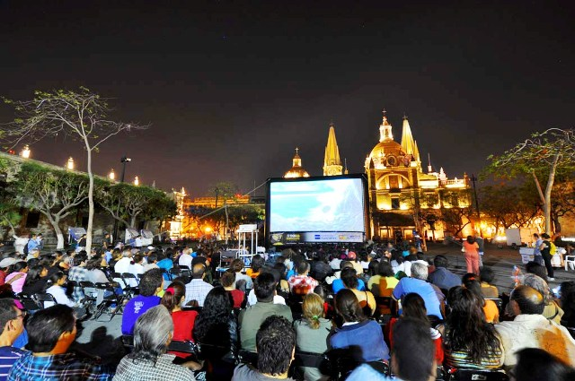 inflatable_movie_screen_mexico